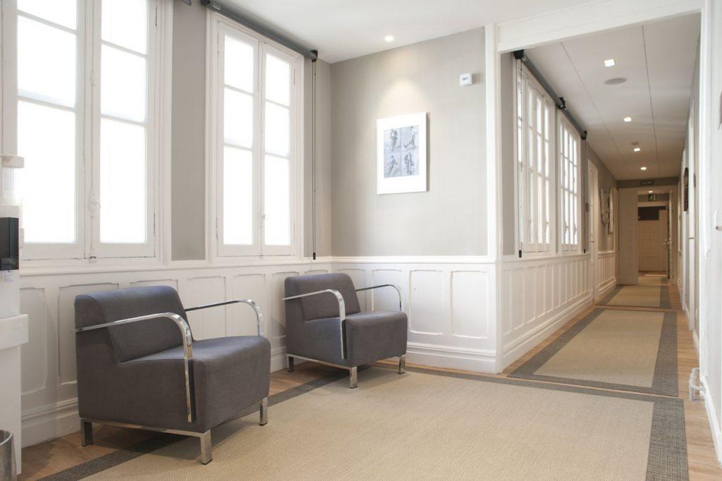 diseño de oficinas en bilbao AMSA IMQ pasillo Juan Luis Bilbao