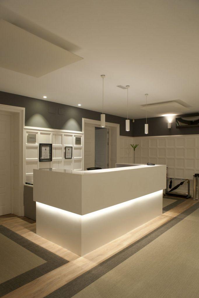 diseño de oficinas en bilbao AMSA IMQ perspectiva recepecion Juan Luis Bilbao